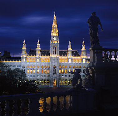 The Vienna Town hall at night